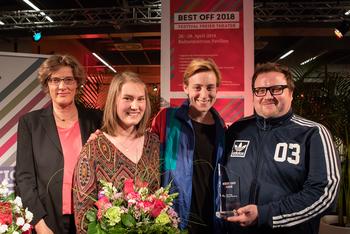 Happy winners of the Best OFF festival